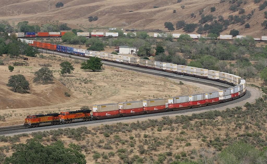 Výsledek obrázku pro nejdelší vlak
