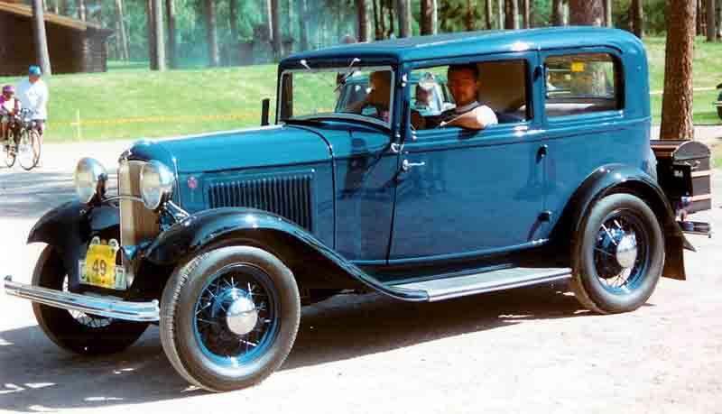 1932 Ford Prvn 237 Lidov 253 Osmiv 225 Lec