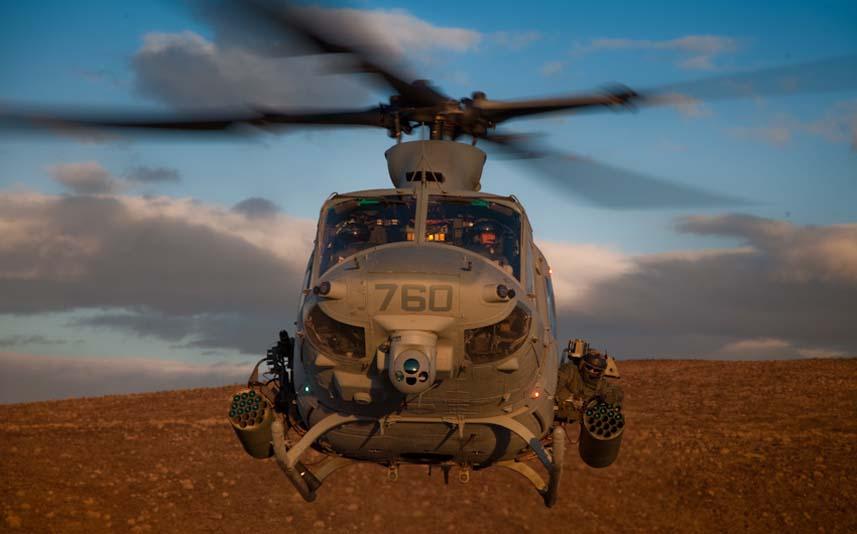Čelní pohled na UH-1Y Venom. Působivé.